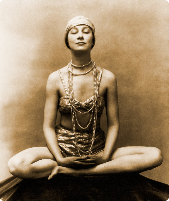Marguerite_Agniel_meditating